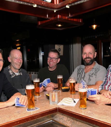 Eerste Open Veldhovens Kampioenschap bonaken in café Oersgezellig