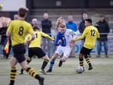 Eerste Deventer derby in het zaterdagvoetbal, volleybalsters Gemini debuteren in tweede divisie