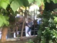 Le propriétaire vend le club, les fans attaquent sa villa