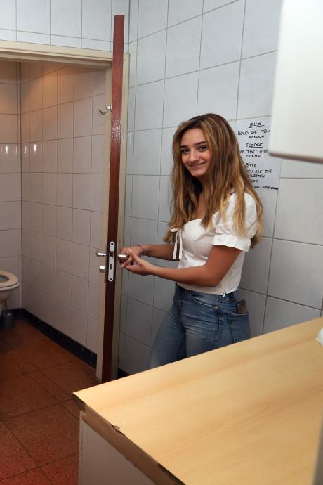 De nood is hoog in Hellevoetsluis: op veel plaatsen ontbreekt een openbaar toilet
