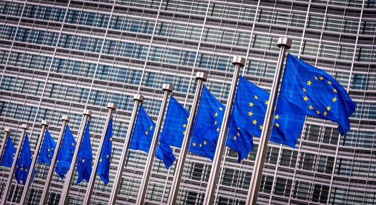 Europese Vlaggen voor het Berlaymont gebouw in Brussel (het hoofdkantoor van de Europese Commissie). Beeld ANP