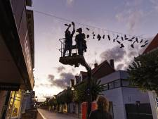 Na schoenen en kerstverlichting kiezen Waalwijkse winkeliers voor banners