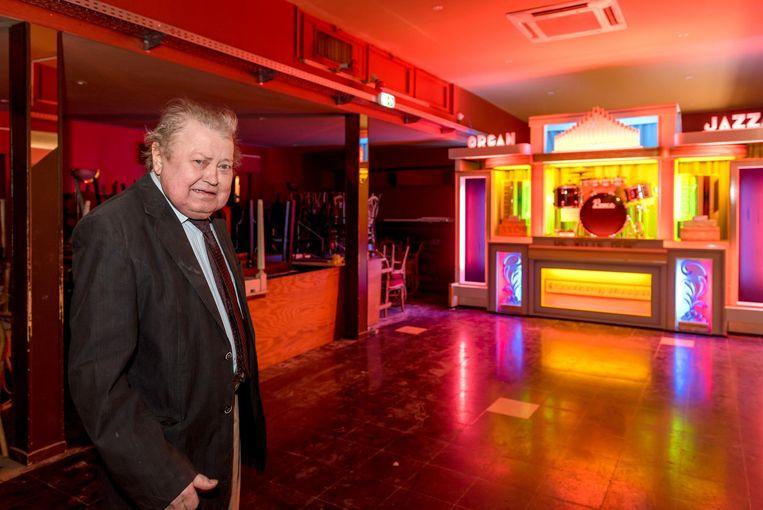 Jean Christiaens, alias Jean Christy, bij de blikvanger in de zaal: het orgel.