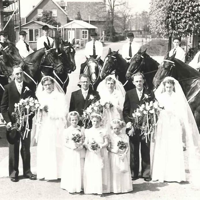 Tegelijk trouwen was een stuk voordeliger.