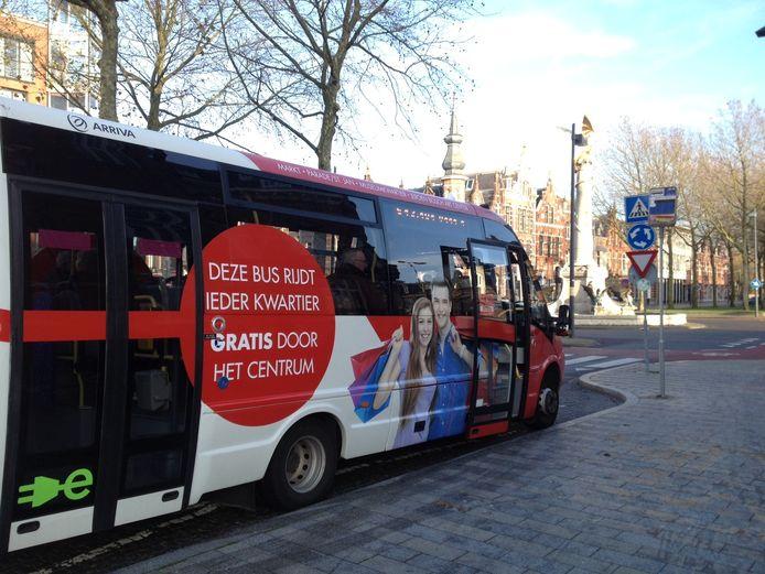 Eén van de elektrische busjes in Den Bosch, zoals deze tot 1 januari reed.