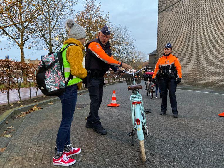 Tientallen fietsers werden aan een controle onderworpen