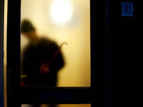 Inbrekers komen bij meerdere woningen in Noordhove binnen door gaatjes te boren