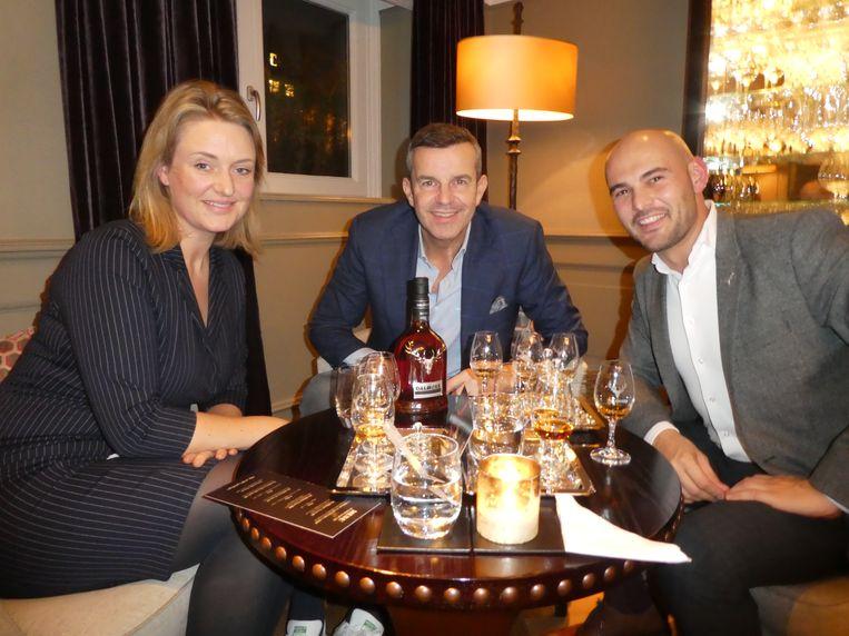 Jennifer Kennedy (Elegance), Paul van der Linden (Society World) en Toon de Gier, brandmanager van Dalmore. Beeld Hans van der Beek