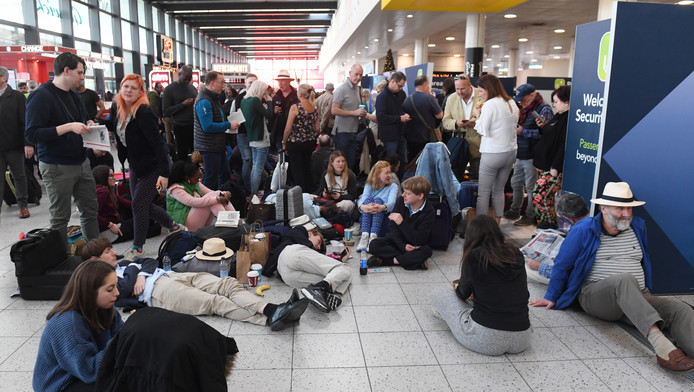 Uren en uren wachten op Gatwick Airport.