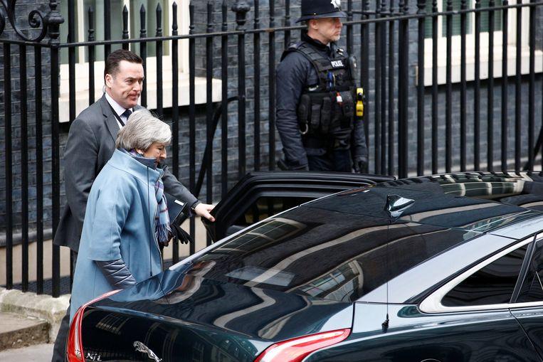 Premier May verliet vanmiddag Downing Street 10 op weg naar het Lagerhuis waar ze bij het begin van het brexitdebat het woord zal nemen.