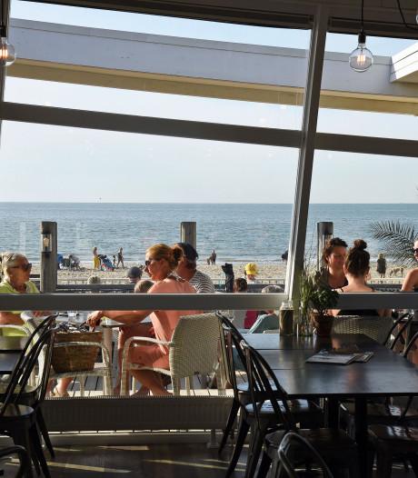 Fluitend naar buiten bij restaurant Strand Ruig in Cadzand-Bad