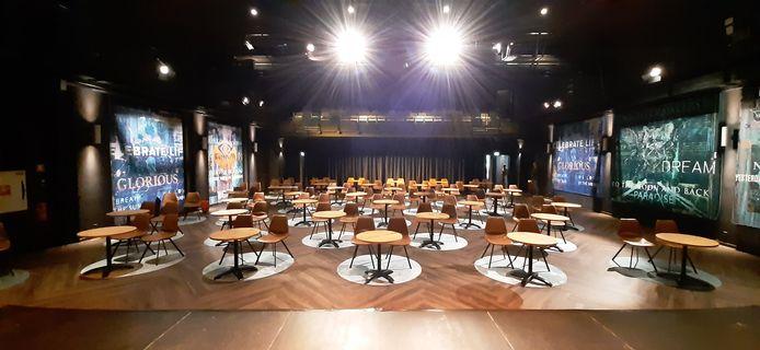 De nieuw ingerichte kleine zaal van De Kring in Roosendaal.