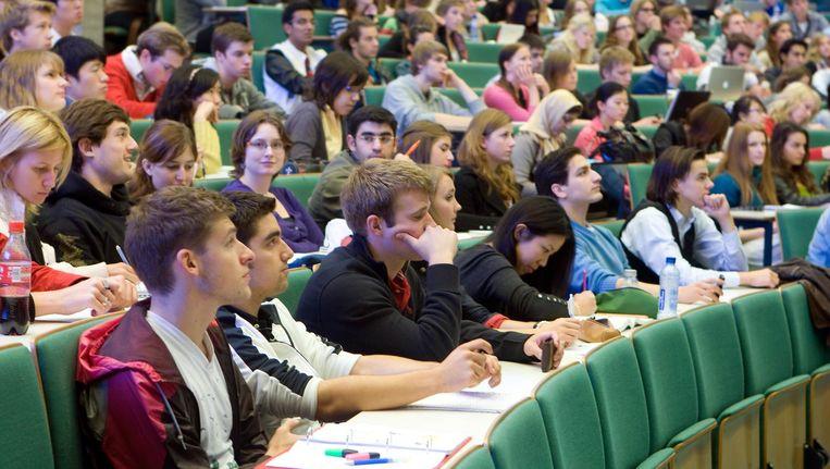 Studenten op de Erasmus Universiteit, waar de meeste overintekeningen van een fixusopleiding zijn Beeld anp