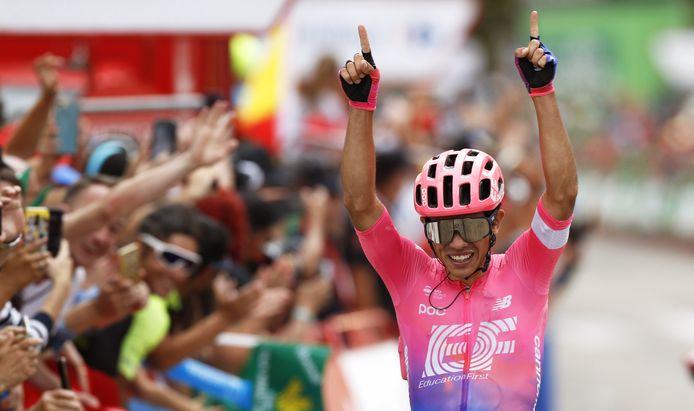 Sergio Higuita won zijn eerste profkoers.