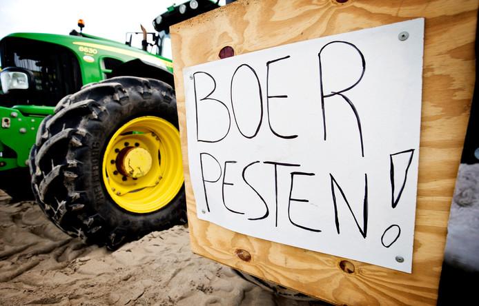Boeren hebben kritiek op het RIVM over de meetmethode die de dienst gebruikt voor stikstof. Ook het CDA heeft nu twijfels, vooral omdat het RIVM geen openheid lijkt te willen geven over de methode.