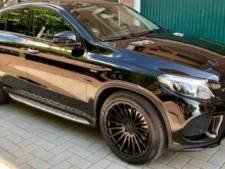 Man die Mercedes wilde verkopen neergestoken en beroofd van auto