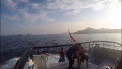 Turkse kustwacht filmt redding gekapseisde migranten: minstens 12 mensen verdronken