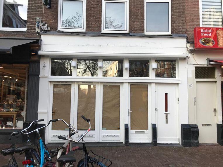 Het pand aan de Ferdinand Bolstraat waar tot 2 januari New York Pizza zat gevestigd. Beeld Jaike Reitsema