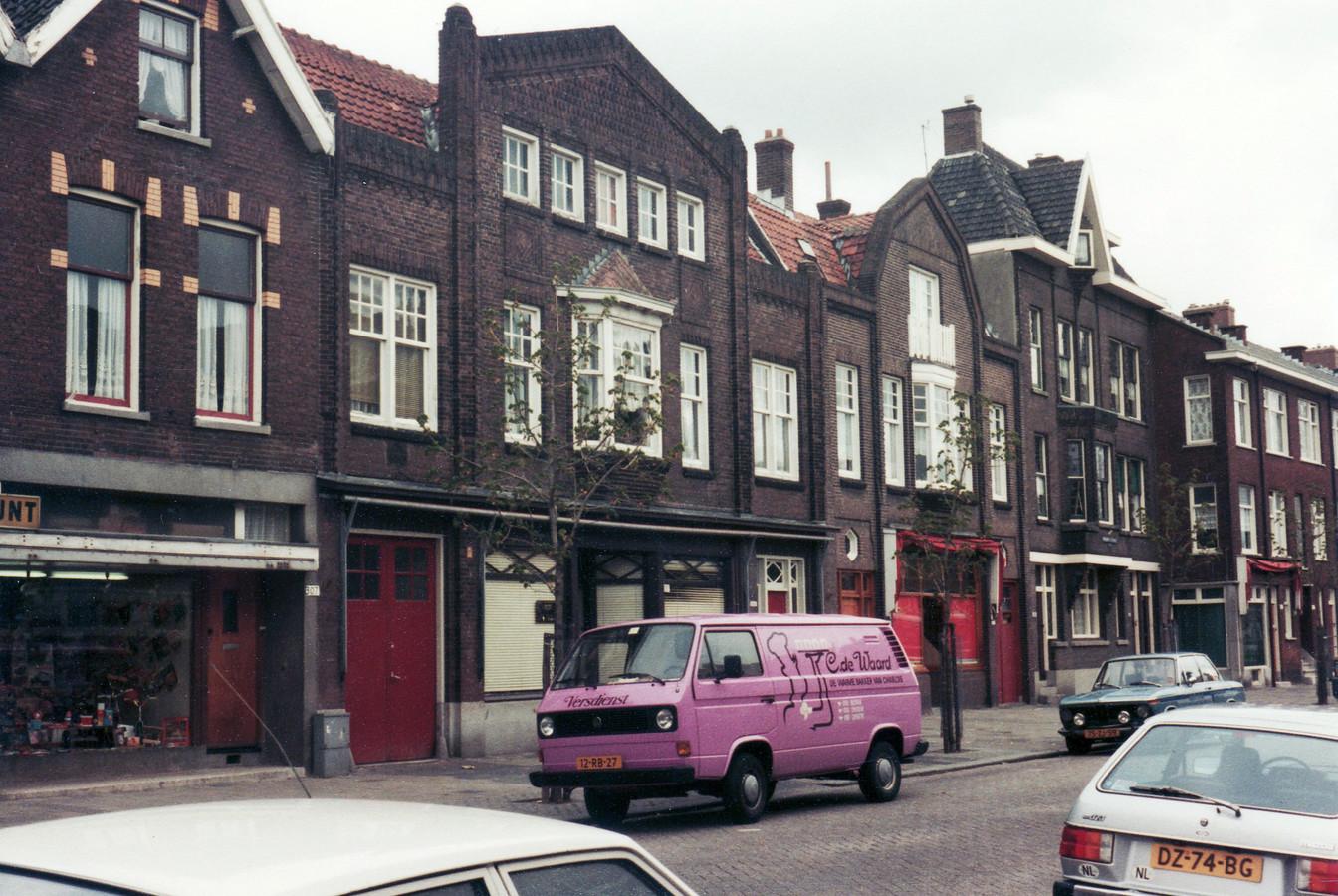 De Katendrechtse Lagedijk in mei 1982.