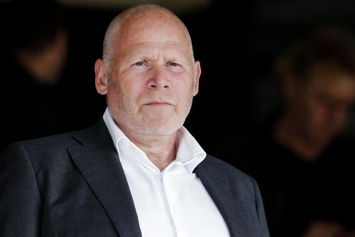Hans de Zeeuw is voorlopig niet alleen algemeen directeur bij FC Dordrecht, maar neemt voorlopig ook het technische gedeelte voor zijn rekening.