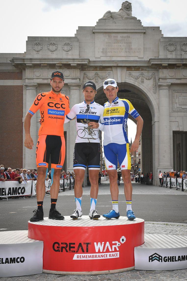 De top drie vorig jaar, op het podium aan de Menenpoort.
