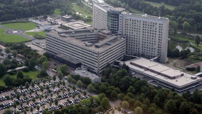 Steeds meer besmette patiënten in AZ Sint-Jan: nu al 60 mensen op Covid-afdeling