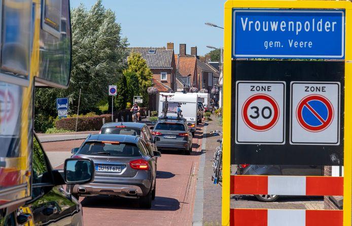Extreme drukte in het dorp komt in Vrouwenpolder weinig voor en leidt zelden tot problemen, stelt dorpsraadvoorzitter Paul Corbijn.