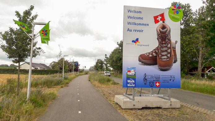 In alle talen werden Vierdaagse-wandelaars welkom geheten in Lingewaard. Maar niet in het Frans.