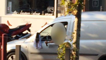 Hallucinant filmpje van trouwstoet met geweerschoten uit 2014 opgedoken