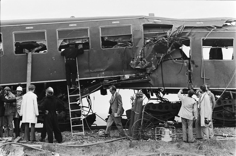Bij de botsing schoven twee treinen in elkaar. Voor de inzittenden, de nabestaanden en de gemeenschap was de impact van de ramp groot.