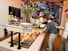 Restaurant Loff in Breda: Een open buffet gevuld met gezond eten