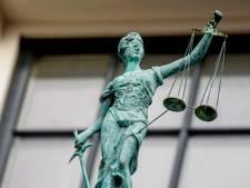 Zeven jaar cel voor poging tot moord op minnaar 'die moest stoppen'