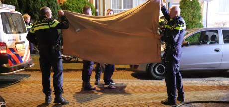 Verwarde man overgiet zichzelf met brandbare vloeistof in de Luitstraat Rijswijk