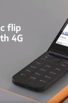 De oldschool klaptelefoon is terug, maar dan wél met 4G en stembediening