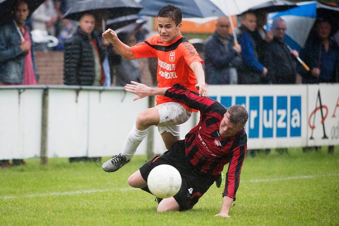 Archieffoto van Danny van der Voort (RKKSV, rechts).
