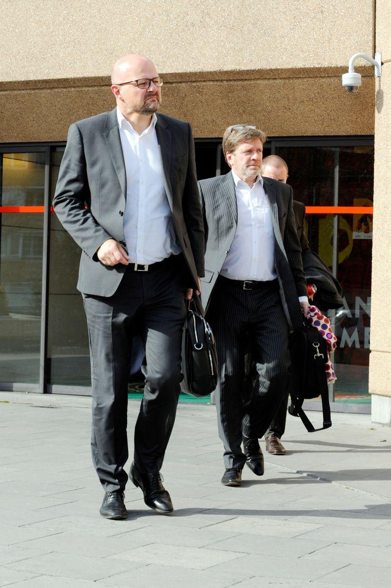Het Standard-bestuur, hier met Alexandre Grosjean, gaf vorige week geen commentaar op hun gesprekken met de licentiecommissie.