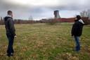 De plek voor de containerwoningen bij het Hofbad.