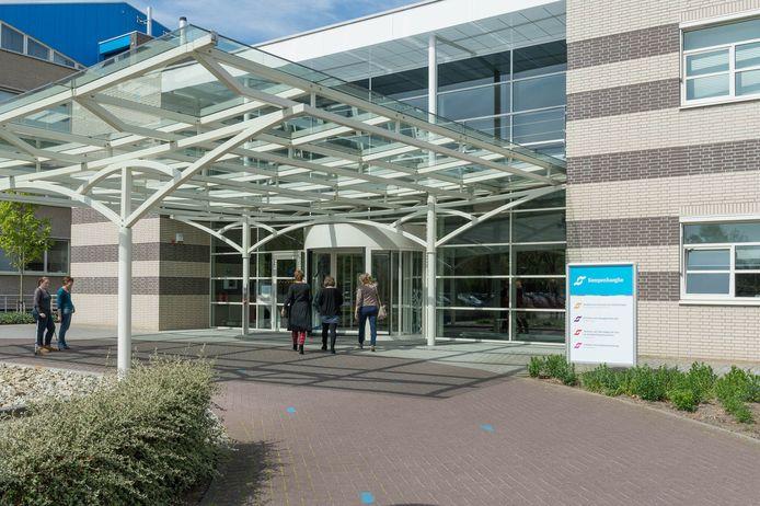De entree van het hoofdgebouw van Kempenhaeghe in Heeze.