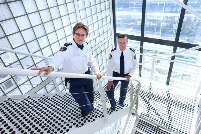 Politiechefs Hanneke Ekelmans en Wilbert Paulissen