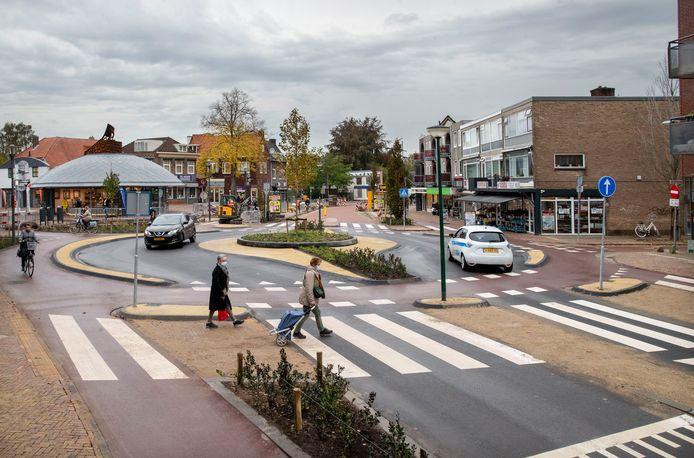 De nieuwe rotonde - alleen voor fietsers - bij het Zwaaiplein in het Veenendaalse centrum.