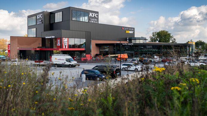 Nederland,  Waalwijk, het nieuwe vermaakcentrum met casino en Kfc.