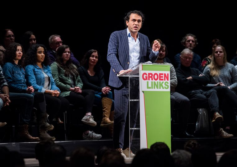 Zihni Özdil geeft een speech tijdens de VerkiezingsMeetup van GroenLinks in 2017. Beeld ANP