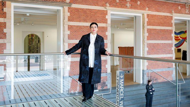 Directeur Beatrix Ruf in de hal van het Stedelijk Museum Amsterdam. Beeld anp
