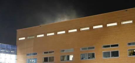 Brand in politiebureau in Zwolle: negen arrestanten geëvacueerd naar Apeldoorn
