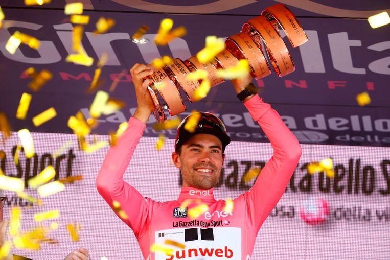Tom Dumoulin na zijn winst in de Giro van 2017.  Beeld AFP