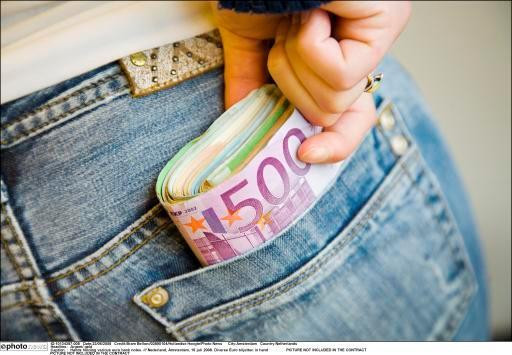 De zakenfamilie betaalde jaren geen belastingen en stak zo veel geld in eigen zak.