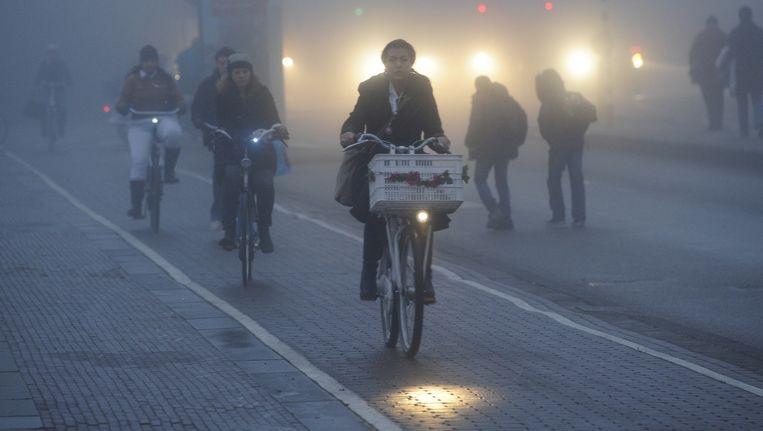 Slechts achttien procent van de Amsterdamse fietsers heeft werkende verlichting. Beeld anp