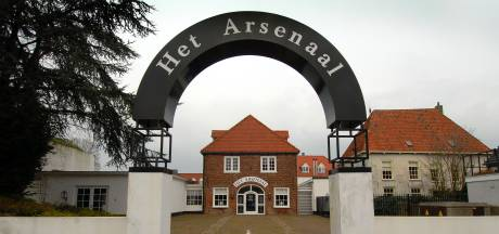 Verkoop Arsenaal Grave op een haar na rond