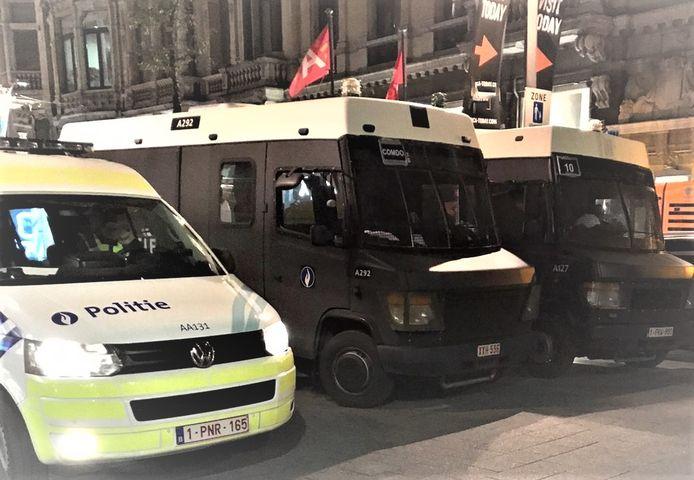 Ook de federale politie leverde bijstand in het opsporen van de amokmakers.
