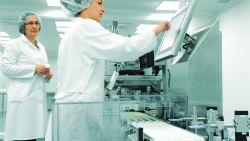 """Vrouwen in productie: """"Als je in ploegen werkt, krijg je nog een mooie premie bovenop"""""""